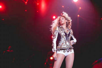 Beyoncé Performs Whitney