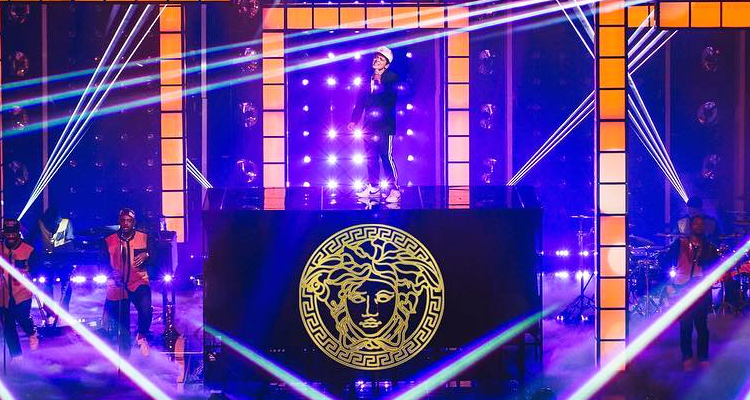 Watch Bruno Mars Stunning Versace On The Floor Bbma