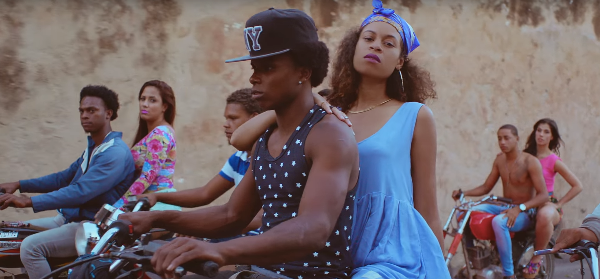 "AlunaGeorge – ""I'm In Control"" (Feat. Popcaan) Video ZIPPY"