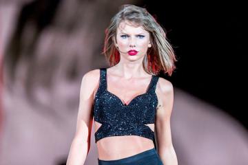 Taylor Swift DJ