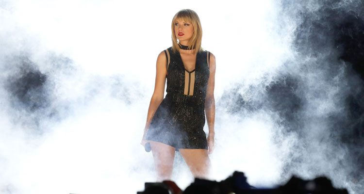 Taylor Swift Performs Calvin Harris' Song At Her First Concert Of 2016