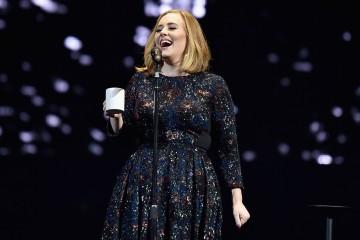 Watch Adele Help a Fan's Leap Day Marriage Proposal in Ireland