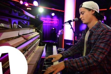 Watch Kygo & Labrinth Perform New Single 'Fragile'
