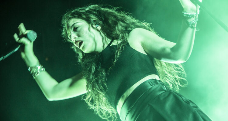 """Lorde's Long-Awaited New Song """"Green Light"""" Is Finally ..."""