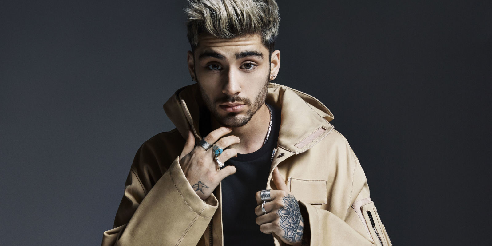 """Zayn Debuts 'Mind Of Mine' Album Cover & New Song """"It's You"""" Live On 'Tonight Show'"""